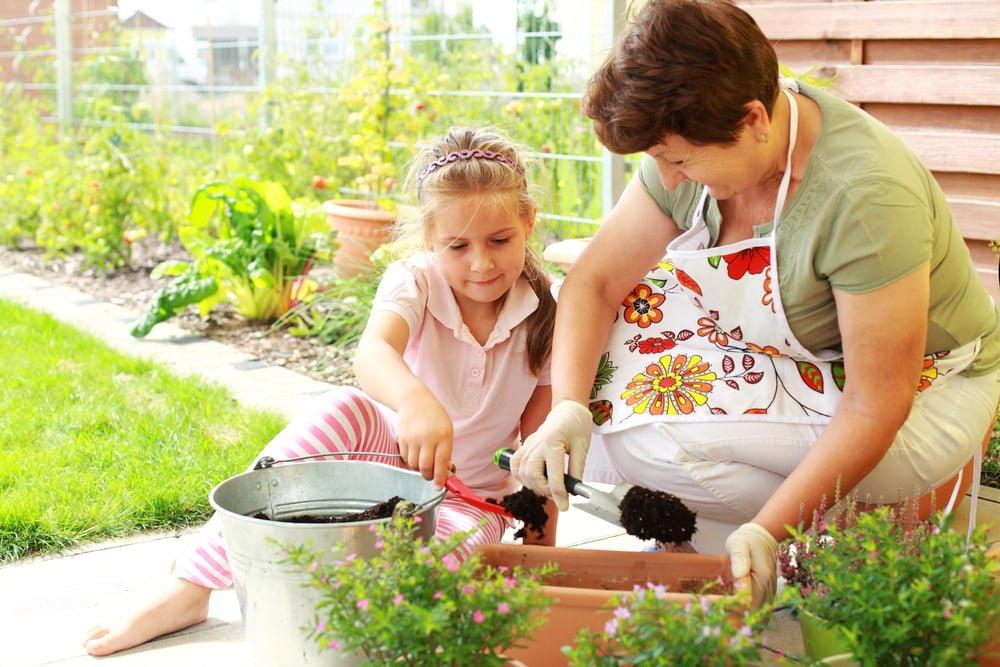 Child helps gardening